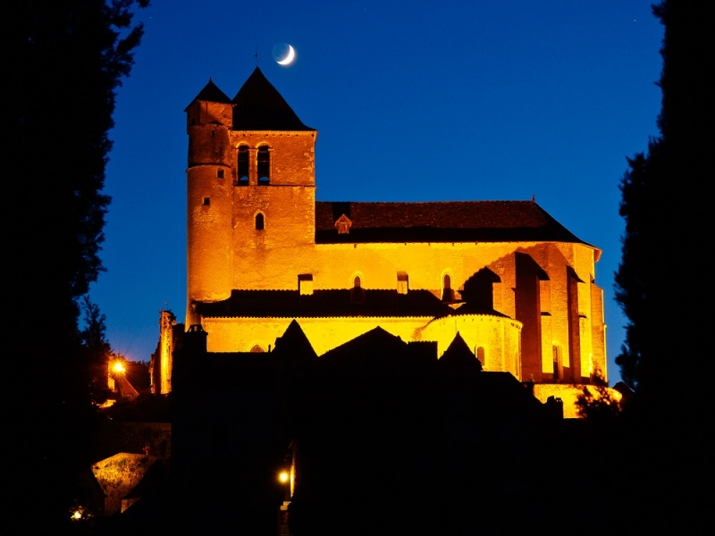 church-at-night
